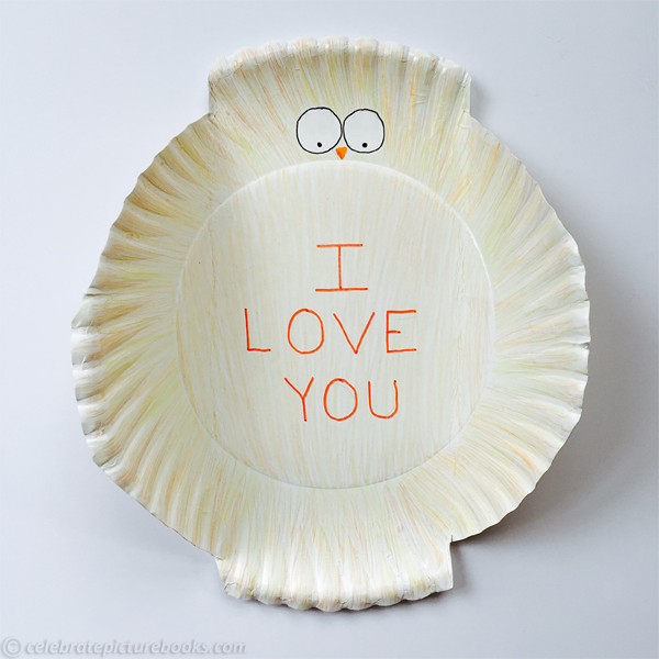 celebrate-picture-books-picture-book-review-paper-plate-owl-open