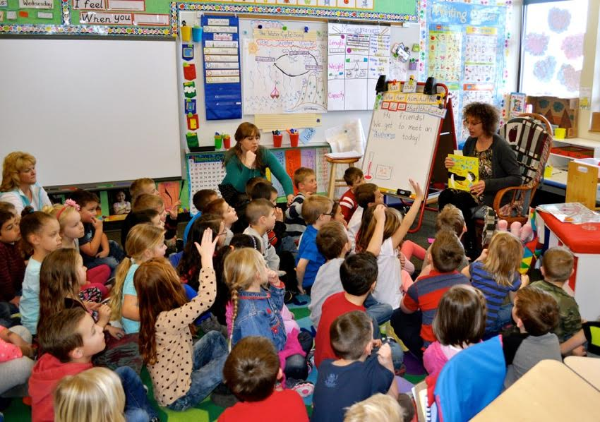 celebrate-picture-books-picture-book-review-interview-with-wendy-wahman-wendy-talking-to-a-class