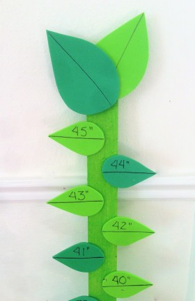celebrate-picture-books-picture-book-review-beanstalk-craft-closeup