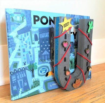celebrate-picture-books-picture-book-review-horseshoe-bookend-craft-1 (2)