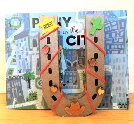 celebrate-picture-books-picture-book-review-horseshoe-bookend-craft