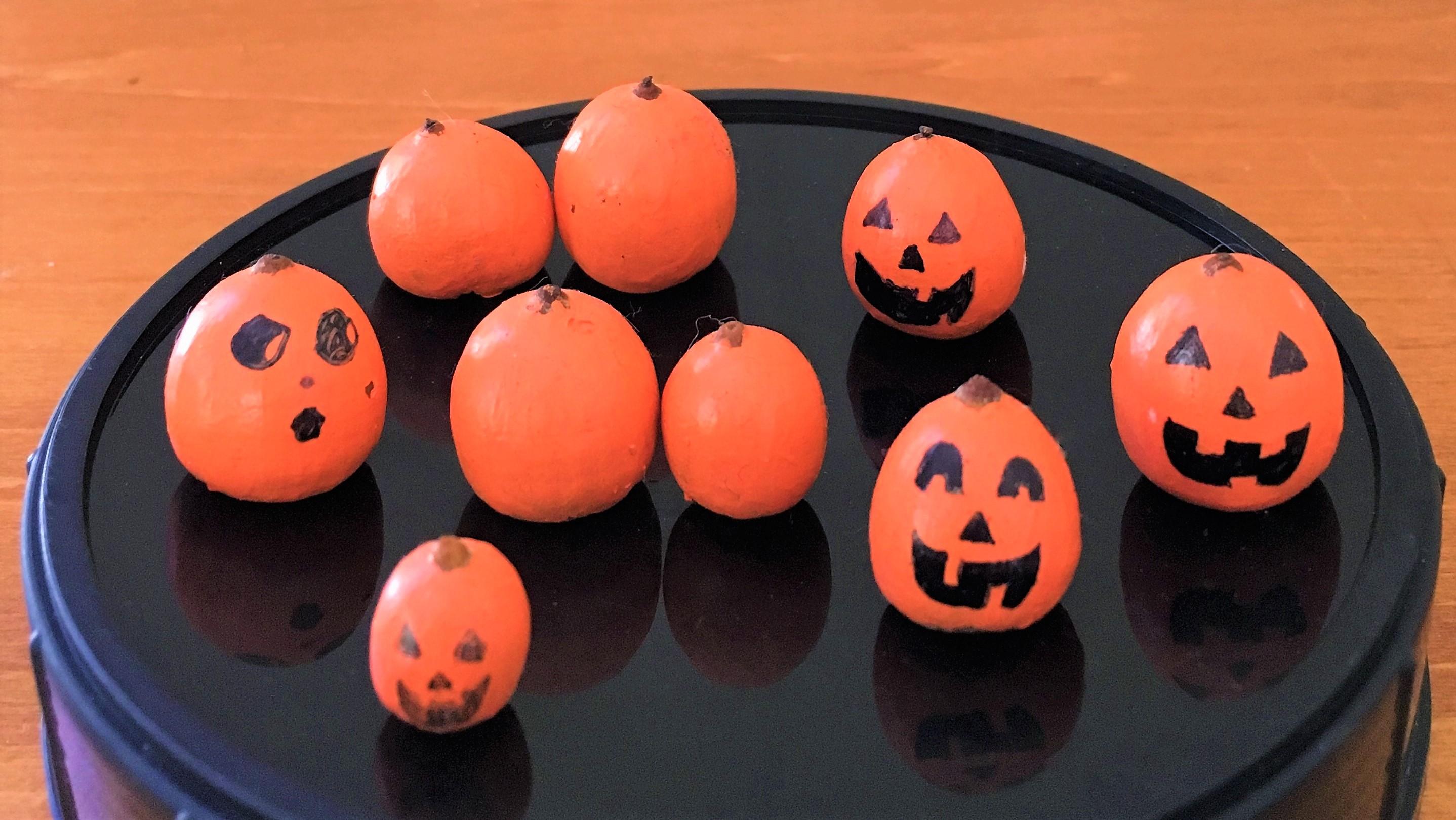 celebrate-picture-books-picture-book-review-acorn-pumpkins-craft (3)