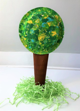 celebrate-picture-books-picture-book-review-paper-plate-tree-craft-2