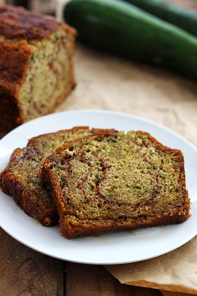 celebrate-picture-books-picture-book-review-creme-de-la-crumb-cinnamon-swirl-zucchini-bread