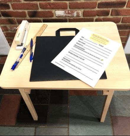 celebrate-picture-books-picture-book-review-briefcase-craft-2