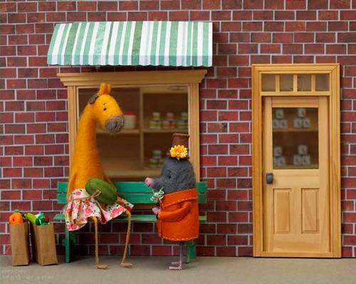 celebrate-picture-books-picture-book-review-mr-mole-moves-in-watermelon
