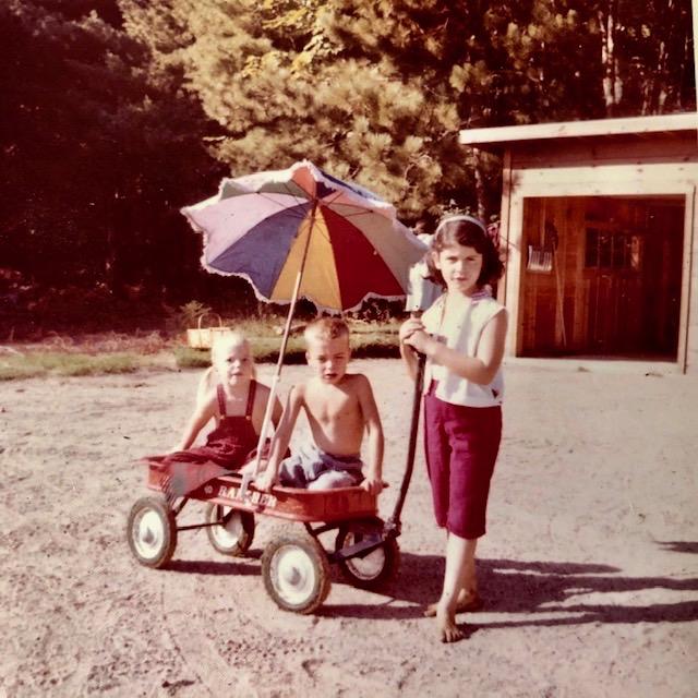 celebrate-picture-books-picture-book-review-Ellen-Mayer-and-wagon