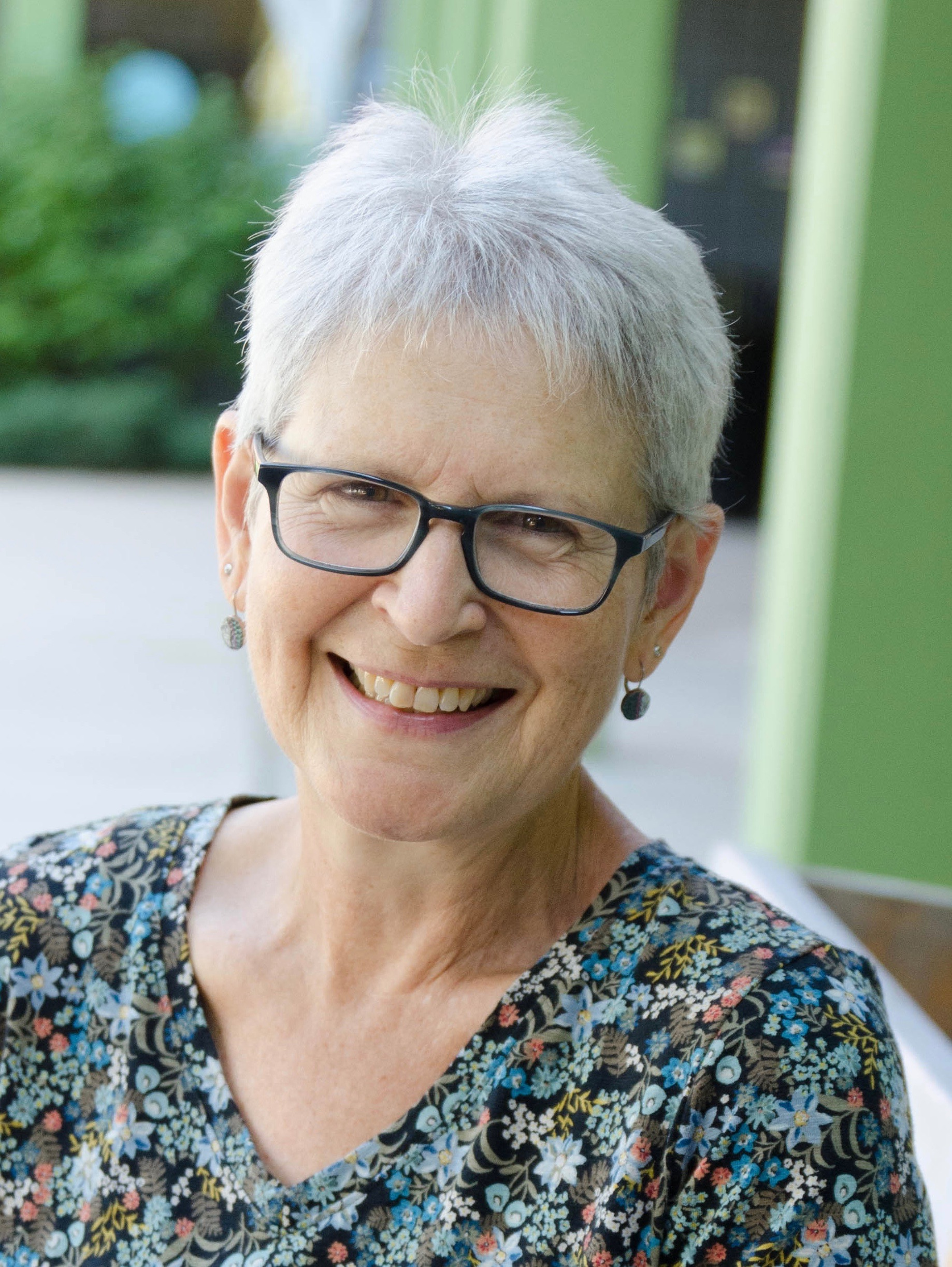 celebrate-picture-books-picture-book-review-Ellen-Mayer-headshot